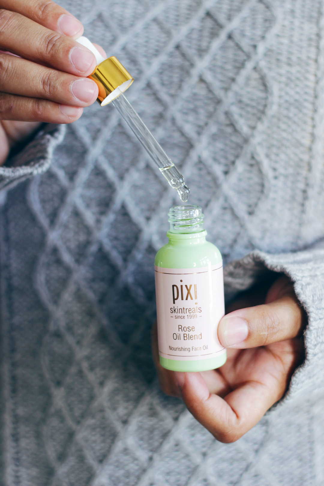 Confused about what new beautyb trend to try or what they exactly are? Keep reading as Jamie breaks down the new beauty buzzwords that have hit the beauty aisles- Makeup Life and Love-Beauty Buzzwords- Pixi Beauty Skintreats Overnight Glow Serum- #TargetStyle - #ad - #mybeautybytarget