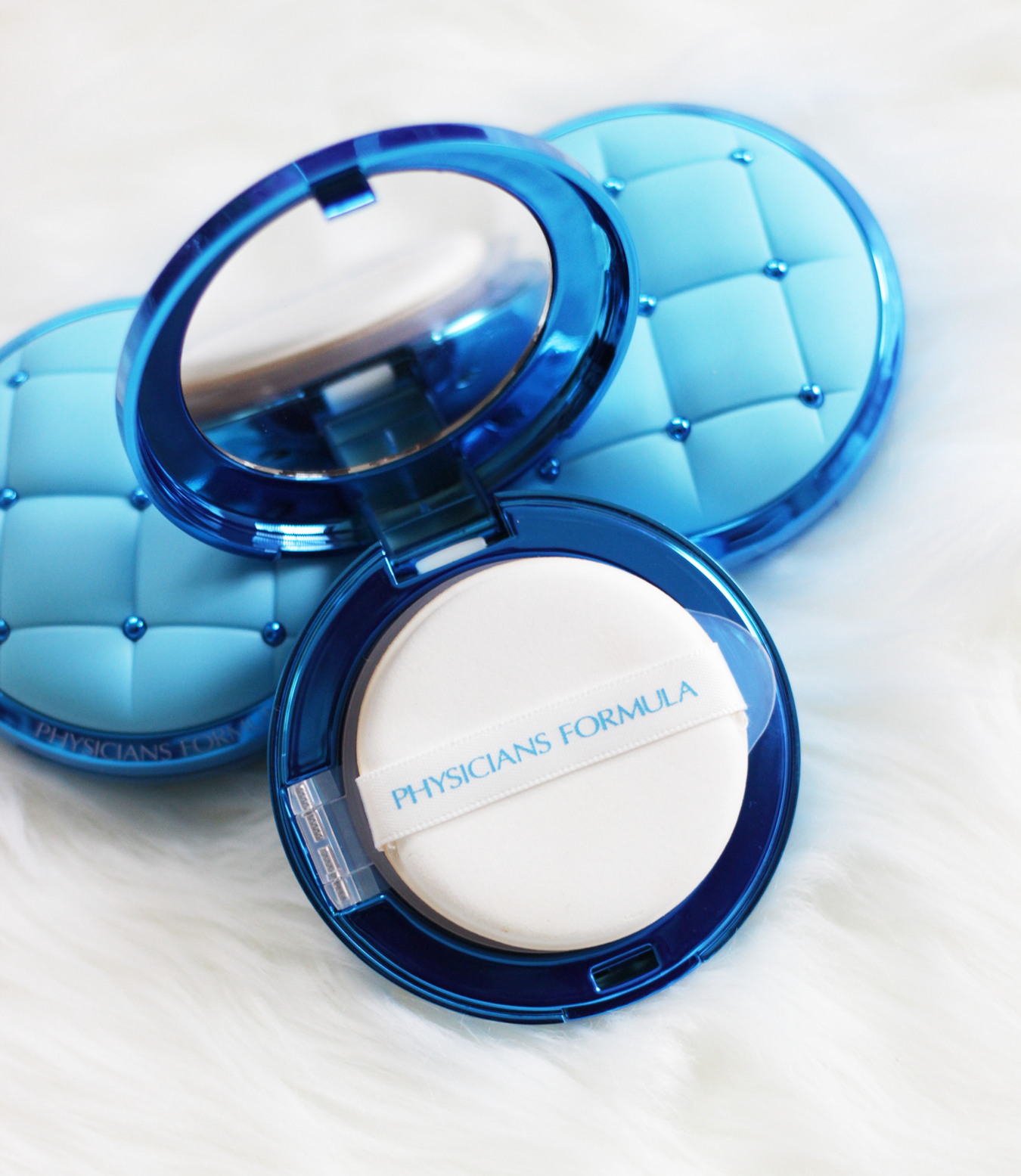 Get ready to save time on your beauty routine, thanks to the Physicians Formula Cushion Compact. This multi-tasking wonder will save time on your beauty routine, all while helping your skin. Makeup Life and Love- Cushion Compact- Physicians Formula-InStyle Magazine