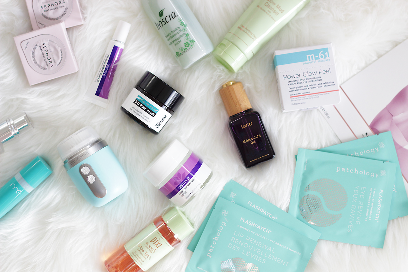 Stuck on what to get the girl who has her skincare regimen down to a science? Today I have rounded up the best of the best in skincare for the Skincare Guru Gift Guide. Keep reading and see if any of your favorites made the cut. -Makeup Life and Love- Skincare Guru Gift Guide- Beauty