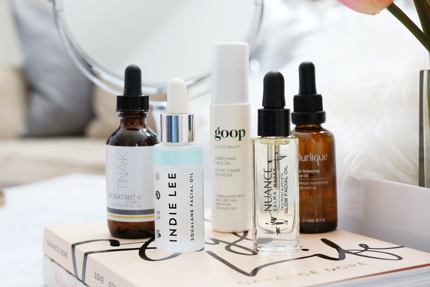 Today we are chatting about face oils, why you need them, what they are for, and last but not least which are my current faves. So what are you waiting for? Let's dive right in and get oiled up.
