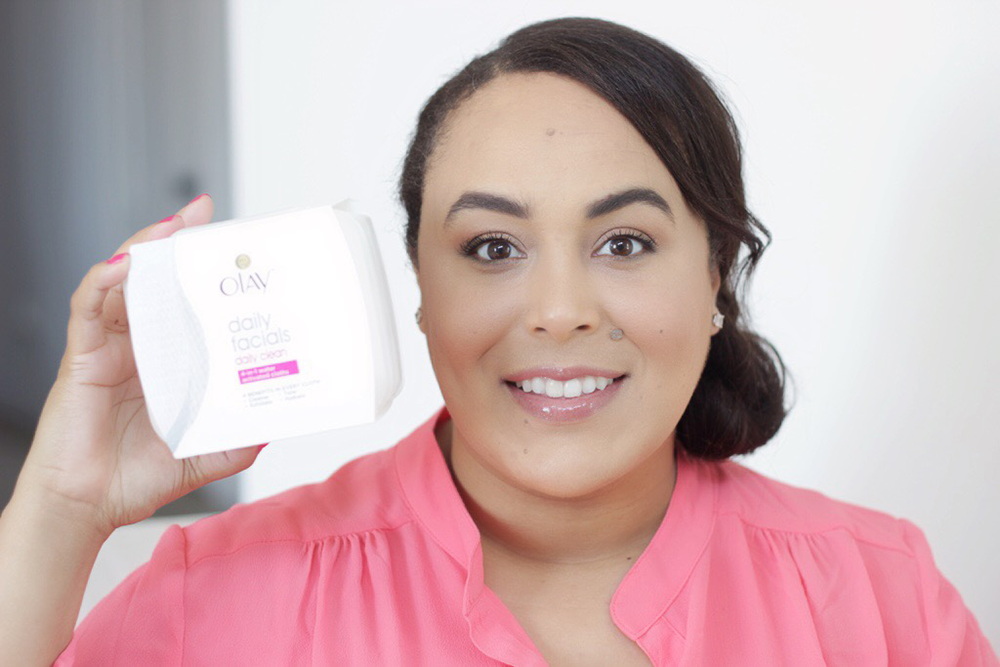 Having combination skin paired with the no-makeup trend isn't always the easiest. Luckily I found the BEST affordable cleansing cloth for combination skin!