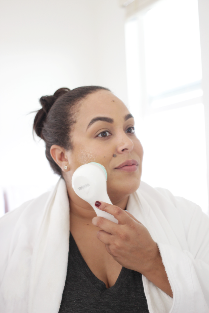 Like any beauty junkie my physical approach to beauty used to be products, products and more products. However as I enter my mid 30's I am all about the skin. Keep reading to see how this Easy DIY At Home Facial is changing the skincare game for good….