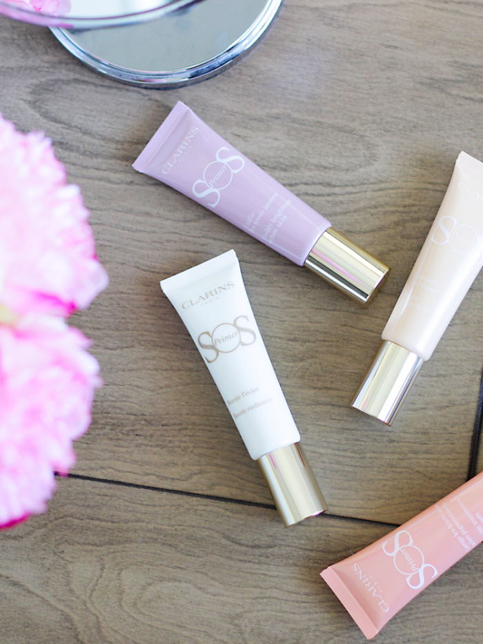 In need of a quick skin pick me up this spring? See why you need a primer in your life ASAP with these perfect Clarins SOS Primers!
