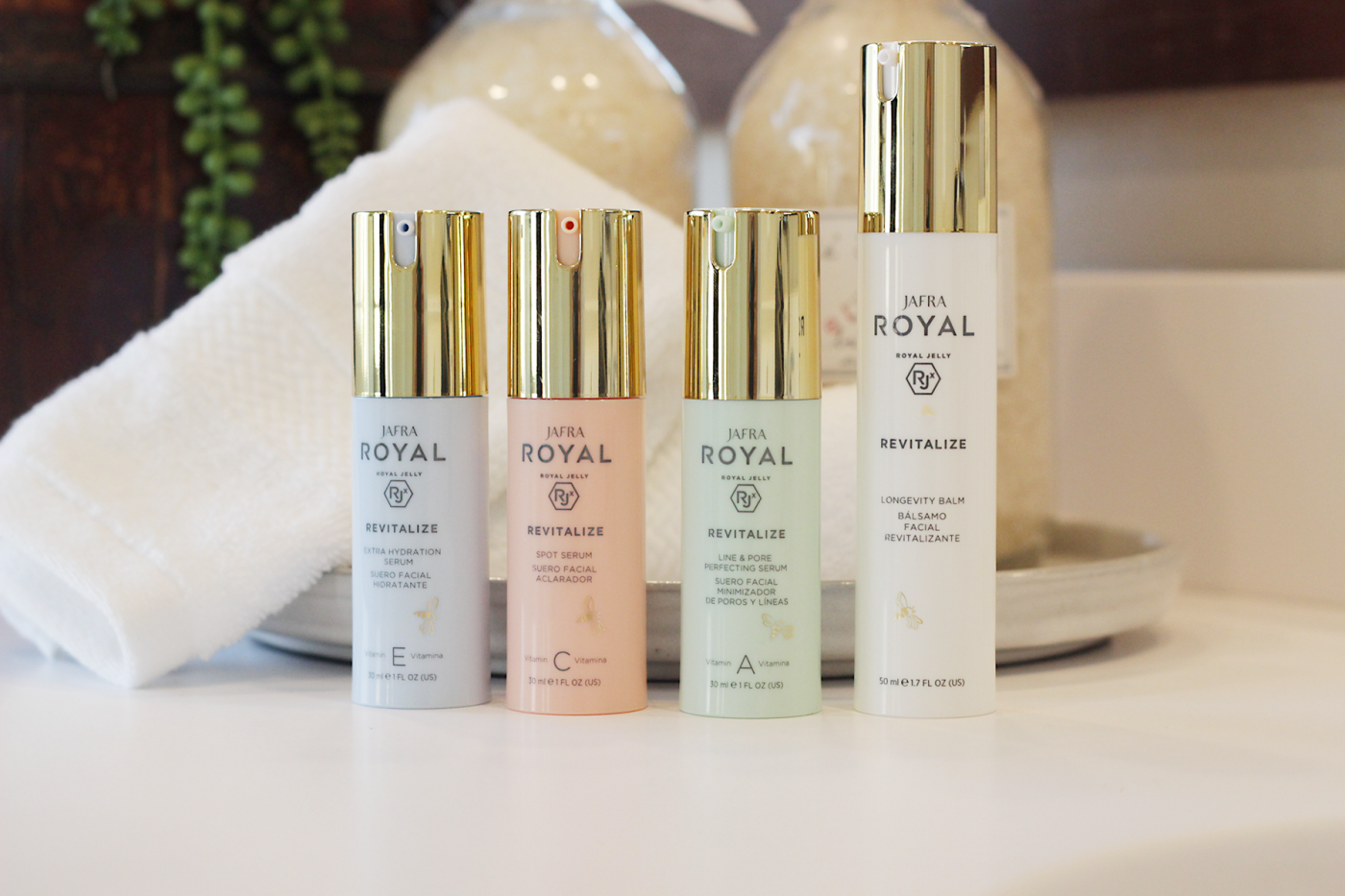 Curious why you need to try JAFRA ROYAL Revitalize? Los Angeles Skincare Blogger Makeup Life and Love is sharing her new found love for JAFRA ROYAL Revitalize here!