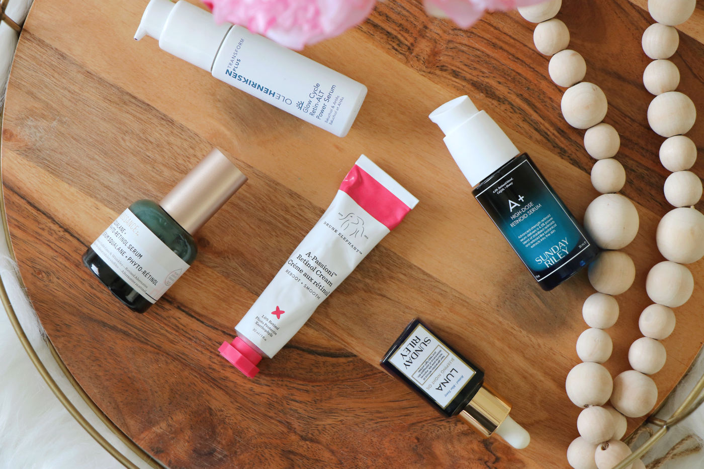 So you want to use a retinol but aren't sure where to start? Makeup Life and Love is sharing the rundown on why and how to use a retinol effectively. Click to see the how's and why's of retinol HERE!