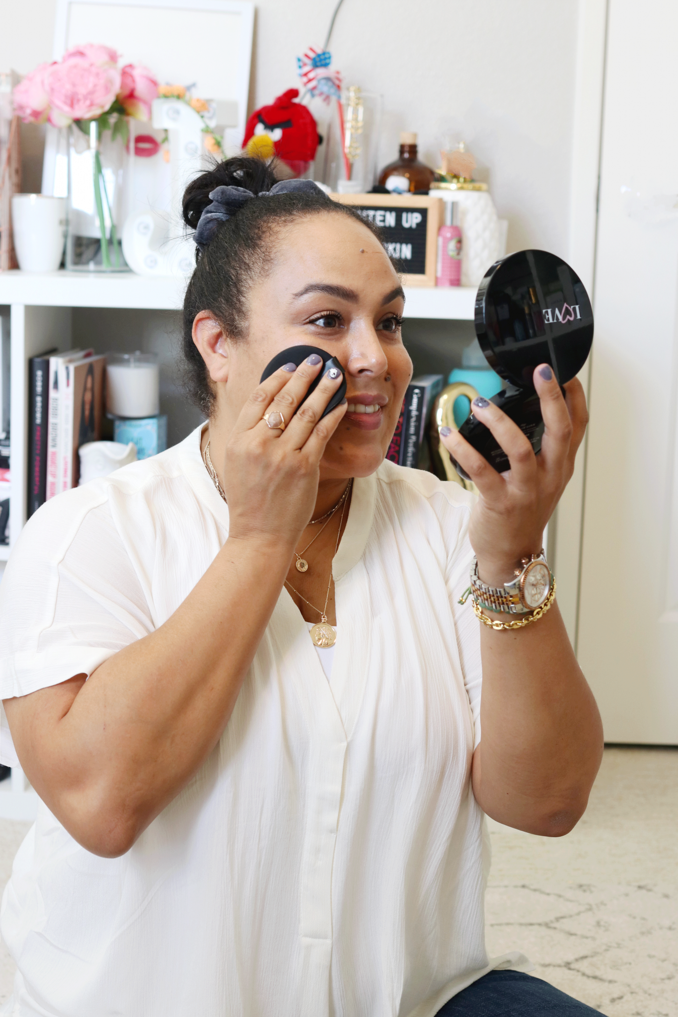 Working from home just got easier. Need help upping your zoom meeting game? Los Angeles blogger is sharing her working from home beauty edit HERE!