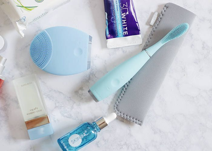 Time to get healthy teeth and a perfect smile in time for school. See why the Foreo ISSA needs to make it into your teeth cleansing arsenal now- ISSA- Foreo ISSA-Foreo