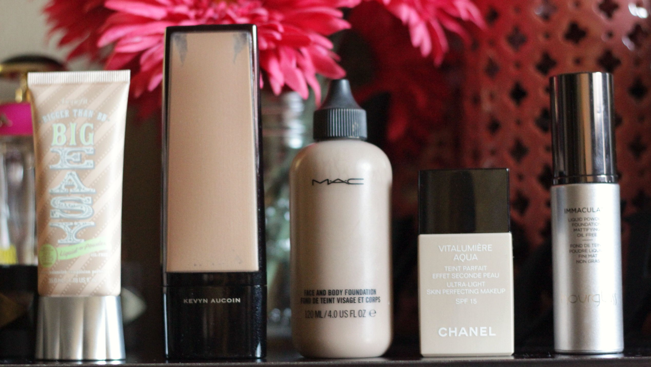 chanel-benefit-mac-kevyn aucoin-hourglass-foundations