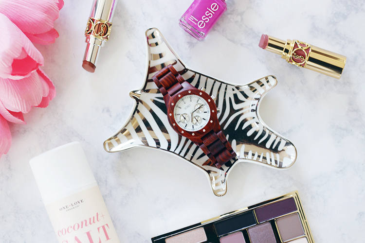 Want to up add to your watch wardrobe? Find out why Jamie is loving her JORD watch. Curious about a JORD watch keep reading to find out more.
