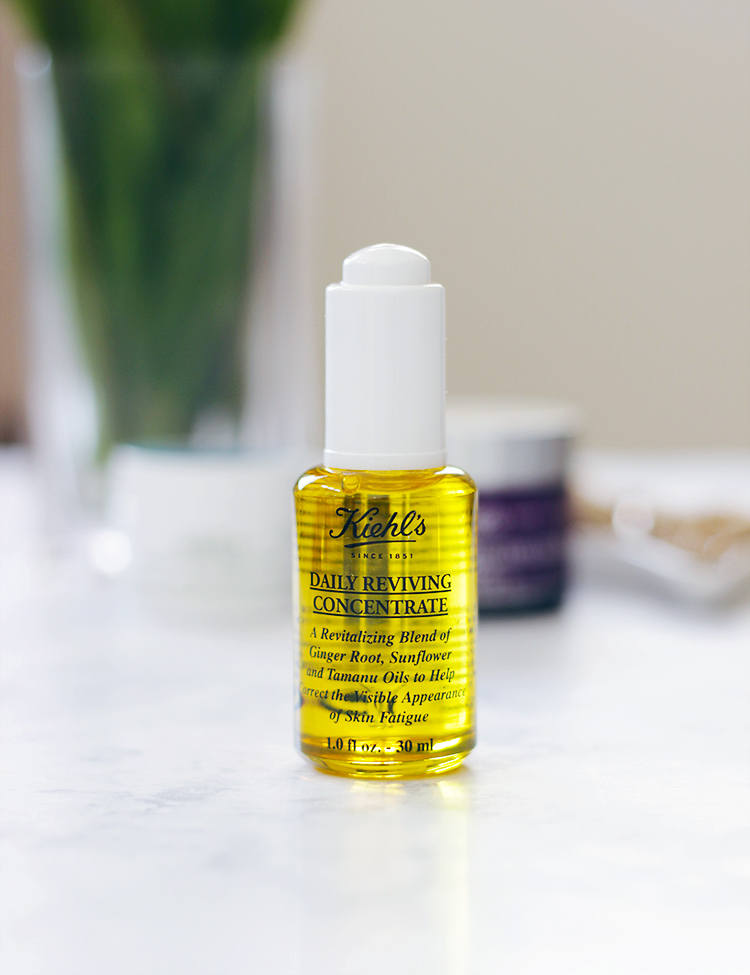 Say goodbye to dull, fatigued skin and say hello to Kiehl's Daily Reviving Concentrate Facial Oil. Read why Jamie is loving this facial oil to get her skin ready for Fall: http://www.makeuplifelove.com- Makeup Life and Love- Kiehls