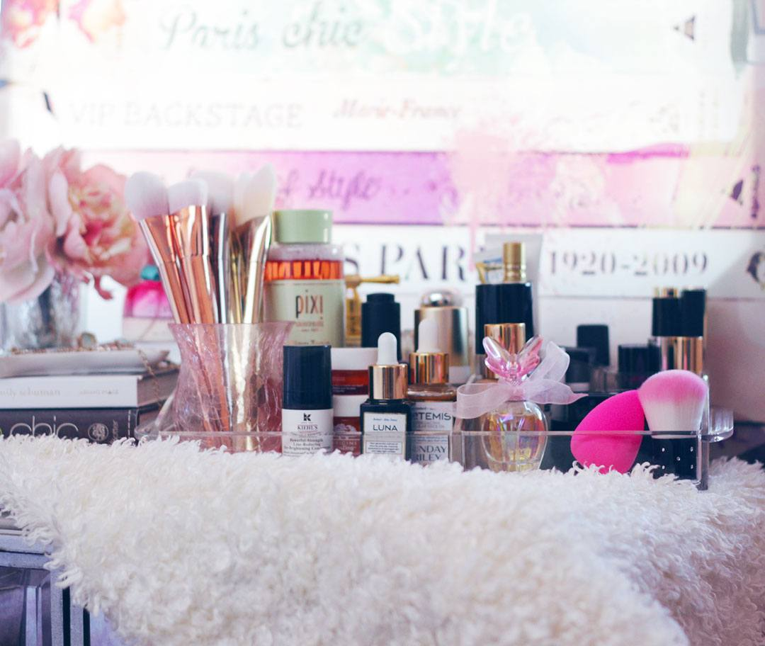 Stuck On How To Organize Your Makeup Collection Yet Stay Chic And Stylish Take