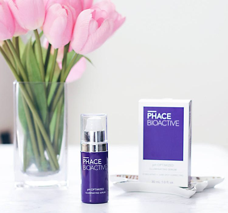Time to get rid of hyperpigmentation quickly thanks to Phace Bioactive skincare. This amazing illuminating serum will change the way hyperpigmentation and your skin look. - Makeup Life and Love | https://makeuplifelove.com